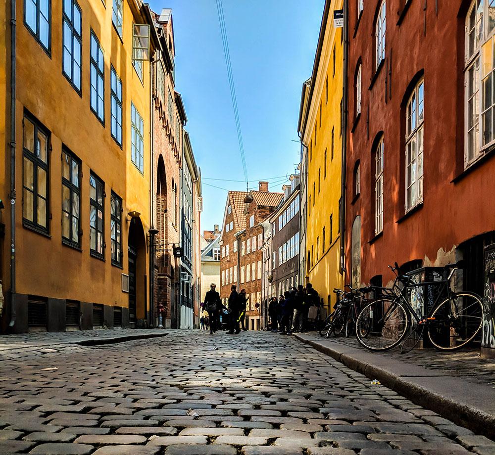 Köpenhamns färgglada gator