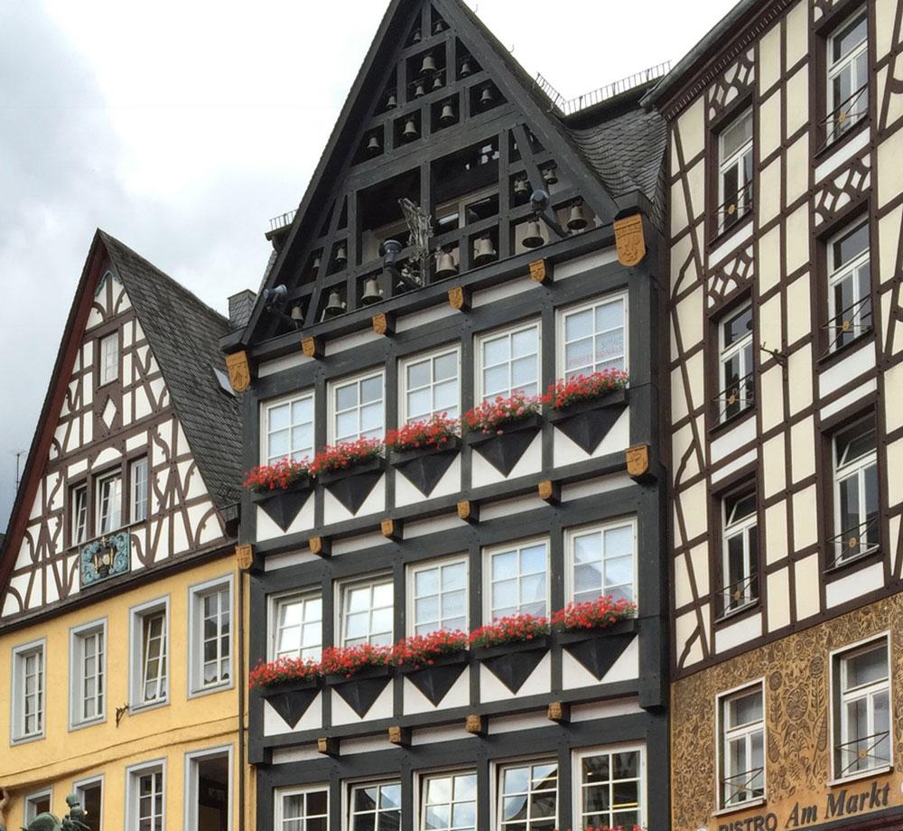 Typiskt tyska byggnader i Mosel