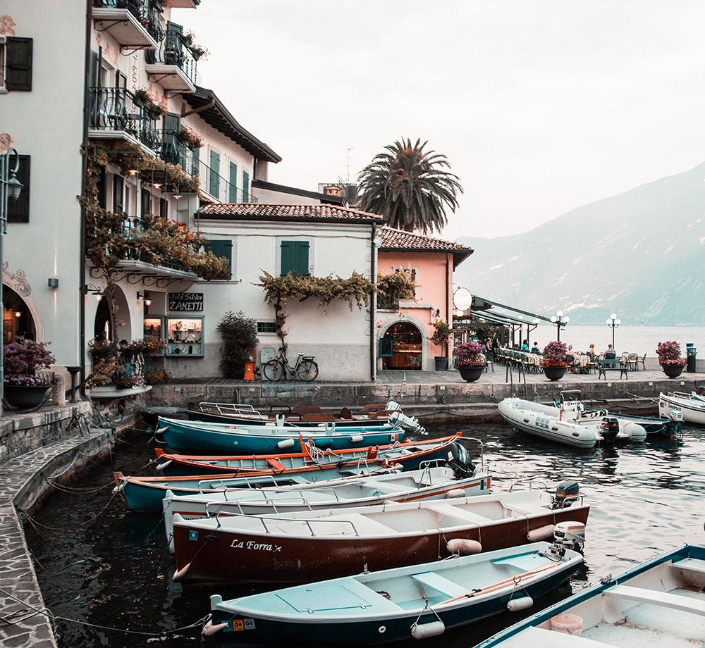 Båthamn i Italien
