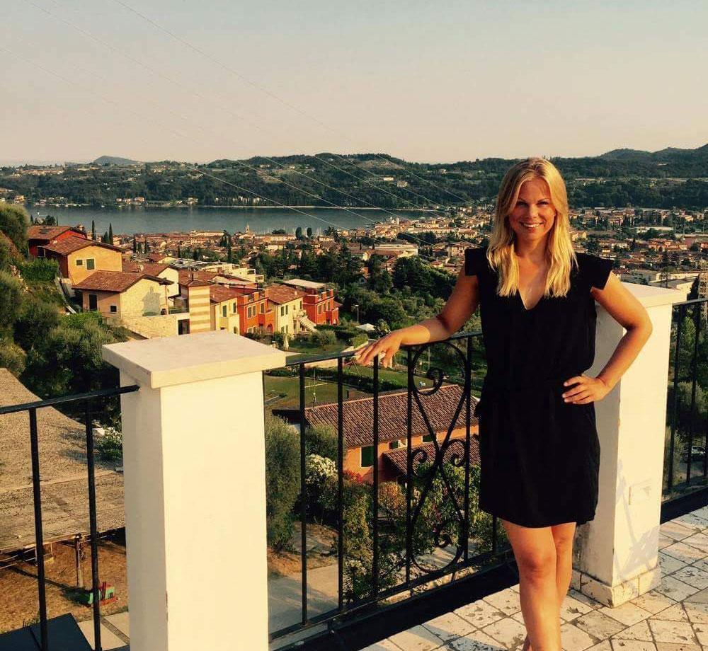 Utsikten från balkongen vid Gardasjön